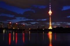 Nightscape van de toren van kabeltelevisie, Peking Stock Foto's