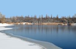 Het landschap van de waterwinter Royalty-vrije Stock Afbeeldingen