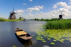 Het landschap van de windmolen bij Nederland Kinderdijk Royalty-vrije Stock Foto