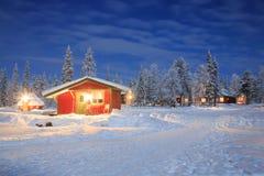 Het landschap van de winter bij Nacht Lapland Zweden Stock Fotografie