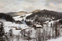 Het landschap van de winter - Bukovina, Roemenië Stock Afbeeldingen