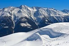 Het landschap van de winter in de Alpen stock foto's