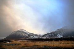 Het landschap van de winter in IJsland stock foto's