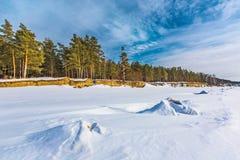 Het landschap van de winter De Ob-Rivier, Westelijk Siberië royalty-vrije stock afbeelding