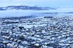 Het landschap van de winter - Stad in sneeuw Stock Foto