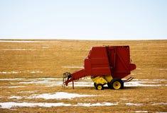 Het Landschap van de Winter van de Apparatuur van het landbouwbedrijf Royalty-vrije Stock Foto's