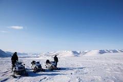 Het Landschap van de Winter van de sneeuwscooter Stock Foto's