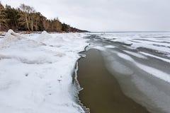 Het landschap van het de winterijs op de rivier De Ob-Rivier, Siberië Royalty-vrije Stock Afbeelding