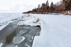 Het landschap van het de winterijs op de rivier De Ob-Rivier, Siberië Stock Afbeeldingen