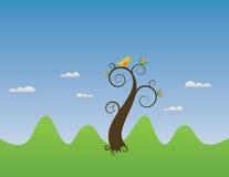 Het landschap van de zomer met een vogel op een boom Stock Afbeeldingen