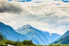 Het landschap van de zomerbergen in Noorwegen Stock Foto