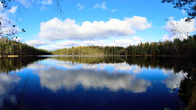 Het landschap van het de herfstmeer Royalty-vrije Stock Foto's