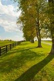 Het landschap van het land op begin van de herfstseizoen Stock Afbeeldingen