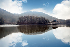 Het landschap van het meer in lushan Stock Foto's
