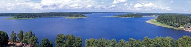 Het landschap van het panoramameer royalty-vrije stock foto's
