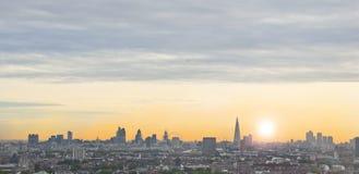 Het Landschap van Londen bij zonsopgang royalty-vrije stock fotografie