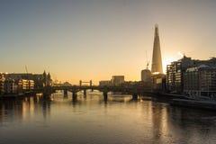 Het Landschap van Londen bij zonsopgang royalty-vrije stock afbeelding