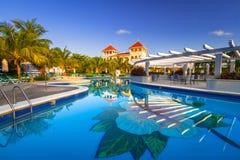 Het landschap van het luxe zwembad in Mexico Stock Foto
