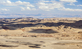 Het landschap van Makhteshramon De Woestijn van Negev israël Stock Foto