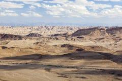 Het landschap van Makhteshramon De Woestijn van Negev israël Stock Foto's