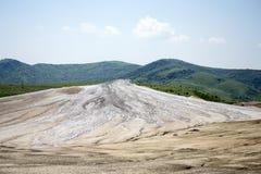 Het landschap van moddervulkanen royalty-vrije stock fotografie