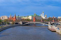 Het landschap van Moskou het Kremlin, de lentetijd Stock Fotografie
