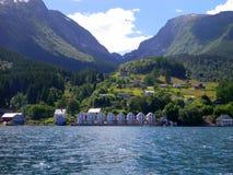 Het landschap van Noorwegen - mensenonderneming Stock Afbeeldingen