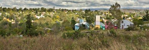 Het landschap van stadsheuvels Stock Afbeeldingen