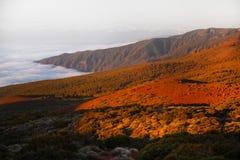 Het landschap van Volcano Teide en van de lava in het Nationale Park van Teide, Rotsachtig vulkanisch landschap van de caldera va Stock Afbeelding