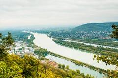 Het landschap van Wenen met de rivier van Donau Stock Fotografie