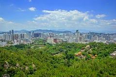 Het landschap van Xiamen, moderne stad in China stock afbeelding