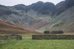 Het landschapsbeeld van Stuningsautumn fall van Meer Buttermere in Meer D Royalty-vrije Stock Afbeelding