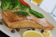 Het lapje vlees en cookeg de groenten van de zalm royalty-vrije stock foto's