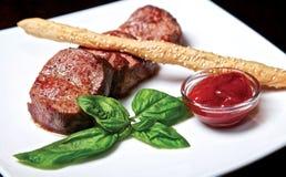 Het lapje vlees van de kalfsvleesfilet Stock Afbeeldingen
