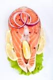 Het lapje vlees van de zalm met citroen en ui Royalty-vrije Stock Foto