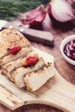 Het lapje vlees van plakkenturkije met kruiden Stock Fotografie