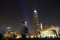 Het laserlicht toont over Cleveland Van de binnenstad royalty-vrije stock foto's