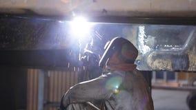 Het lassen in een Mijnbouw stock footage