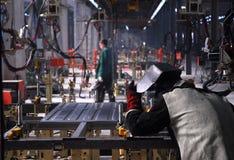 Het lassen op fabriek Stock Fotografie