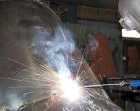 Het Lassen van de Arbeider van de fabriek Royalty-vrije Stock Foto's