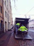 Het leegmaken van de vrachtwagen Stock Fotografie