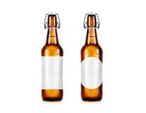Het lege model van de bierfles zonder etiket, tribune Stock Fotografie
