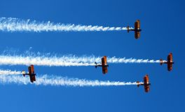 Het Legertweedekkers van de V.S. in demonstratie over Prescott, Arizona Stock Afbeeldingen