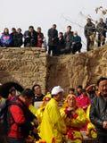 Het letten van op traditionele dans Yangge Royalty-vrije Stock Foto