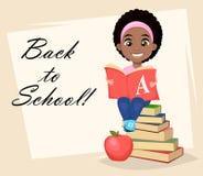 Het leuke Afrikaanse Amerikaanse boek van de meisjeslezing Royalty-vrije Stock Fotografie