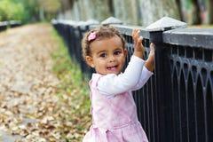 Het leuke babymeisje glimlachen Royalty-vrije Stock Foto's
