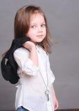 Het leuke babymeisje stellen in studio Royalty-vrije Stock Afbeeldingen