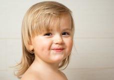 Het leuke meisje glimlachen Royalty-vrije Stock Foto