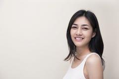 Het leuke meisje glimlachen Stock Afbeelding