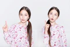 Het leuke meisjes stellen Royalty-vrije Stock Afbeelding